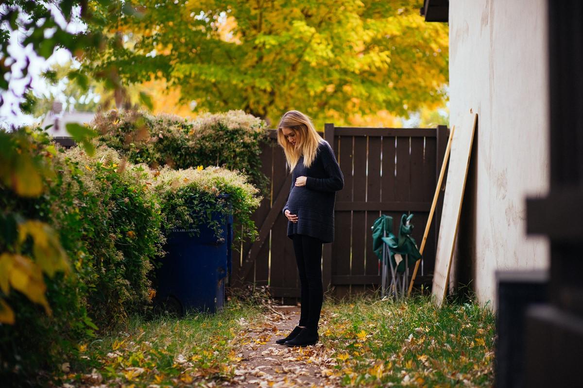 pregnant woman 孕妇瑜伽