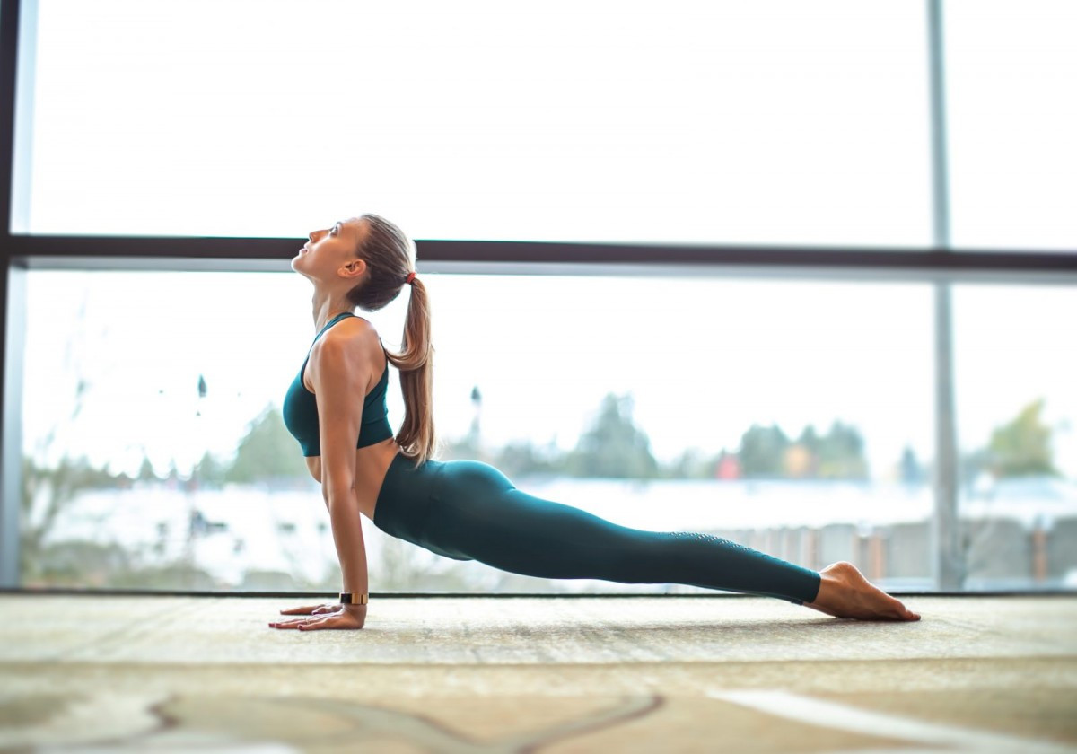 拜日式瑜伽