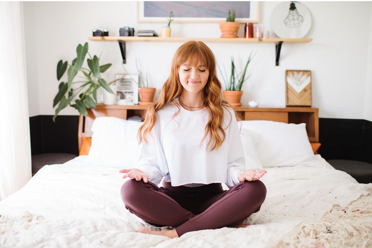 Bed yoga 床上瑜伽