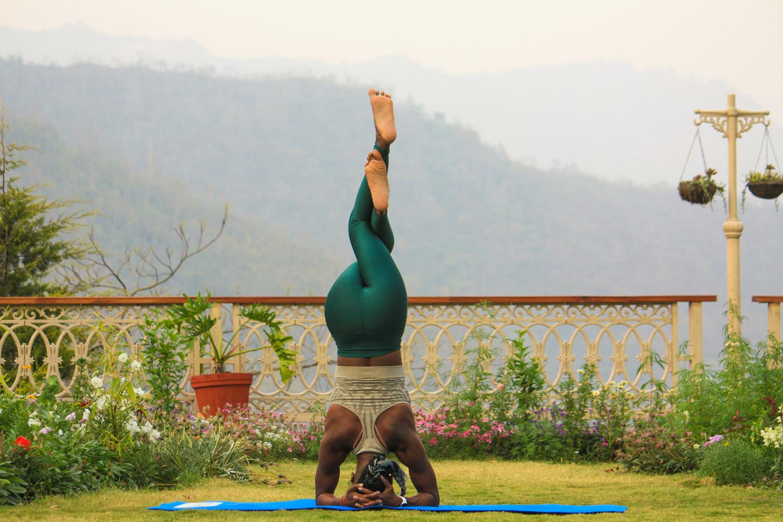 瑜伽倒立 yoga